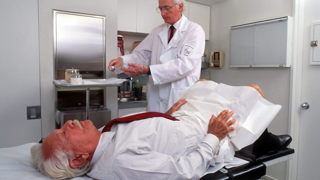 Why It Is Important To See A Proctologist From The Age Of 50